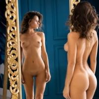 К чему видеть зеркало во сне: толкование сновидения